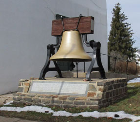 In 1777, the Continental Congress had decreed the bell be moved before the British Army melted it down for ammunition. On the night of 18 September 1777, six days after the Liberty Bell left Philadelphia, it was stored overnight behind Evan Foulke's hous